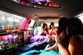 prom-girls-pink-limo-interior