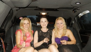 How much is it to hire a stretch limo